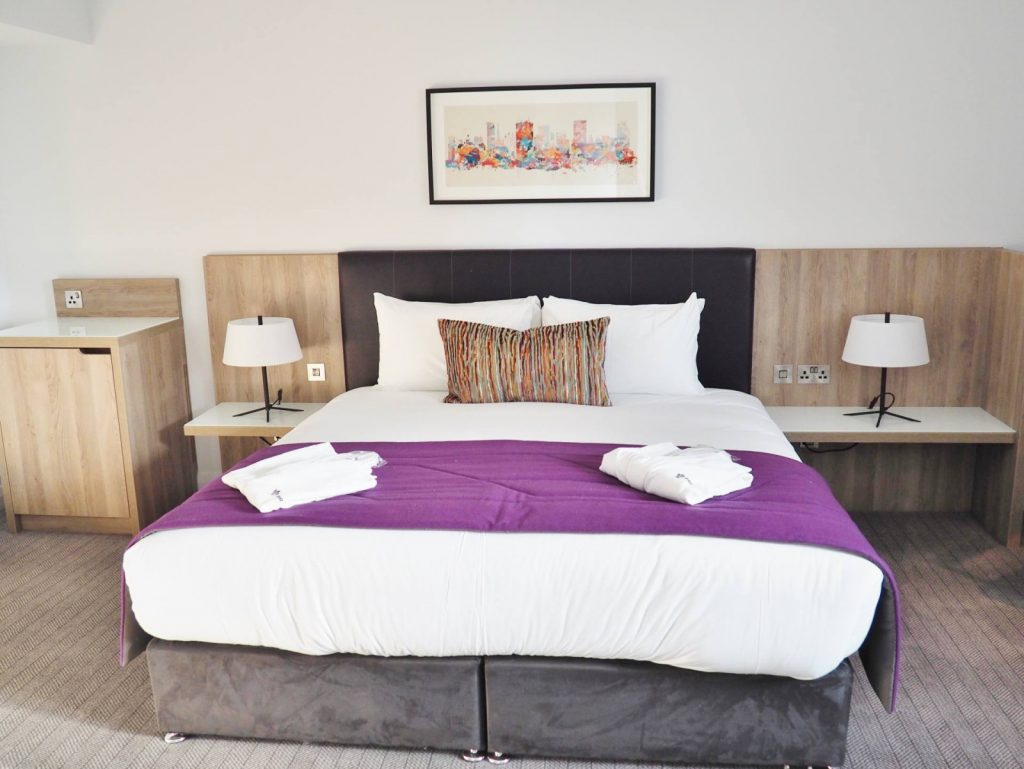 Park Regis Hotel Room Queen Bed 2 1600x1202 1